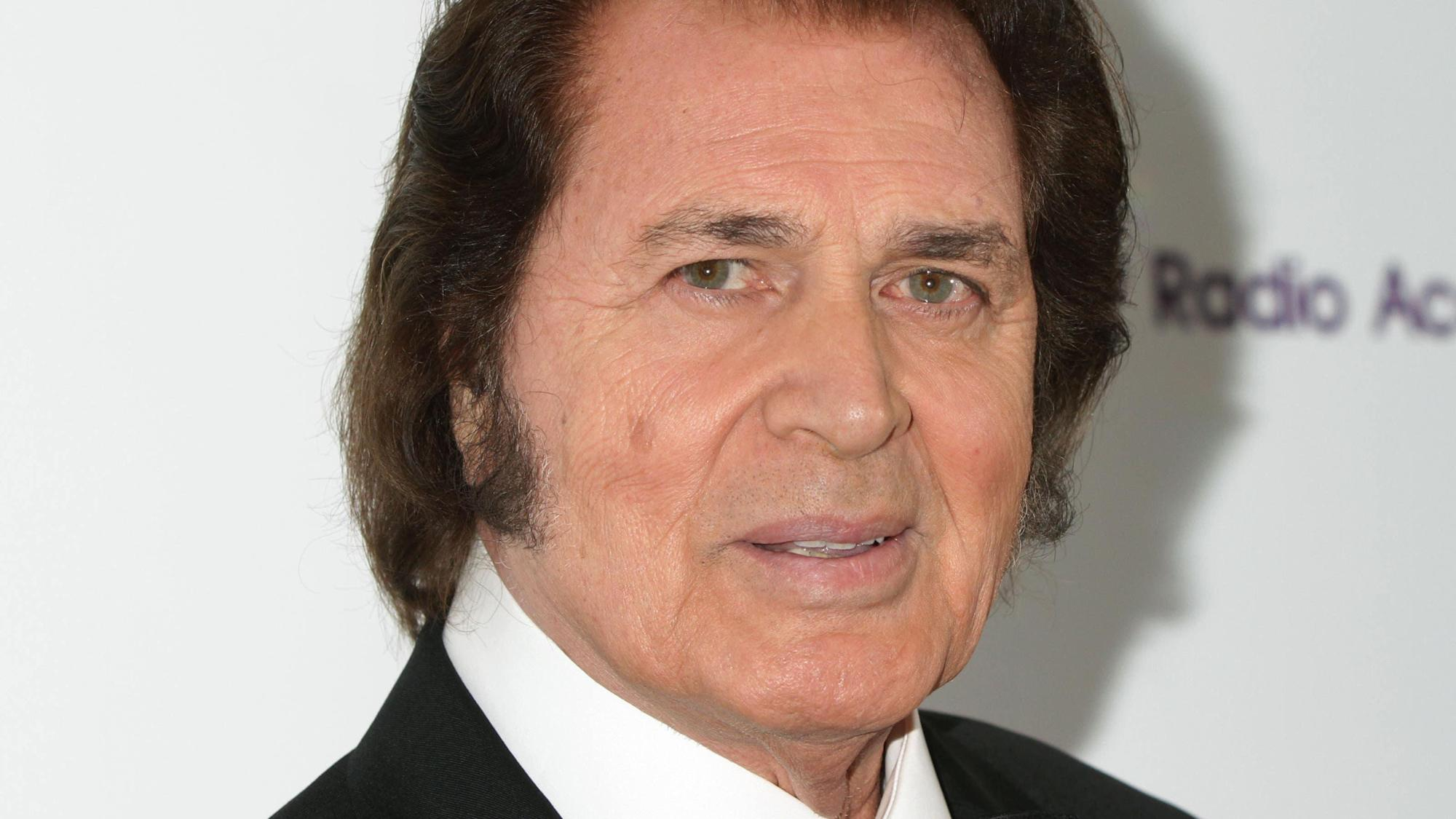 Humperdinck says he misses late wife 'every day' on wedding anniversary