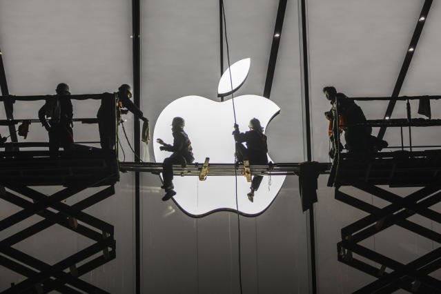 Apple could hit a $1 trillion market cap in the next 12-18 months, RBC Capital Markets predicts.