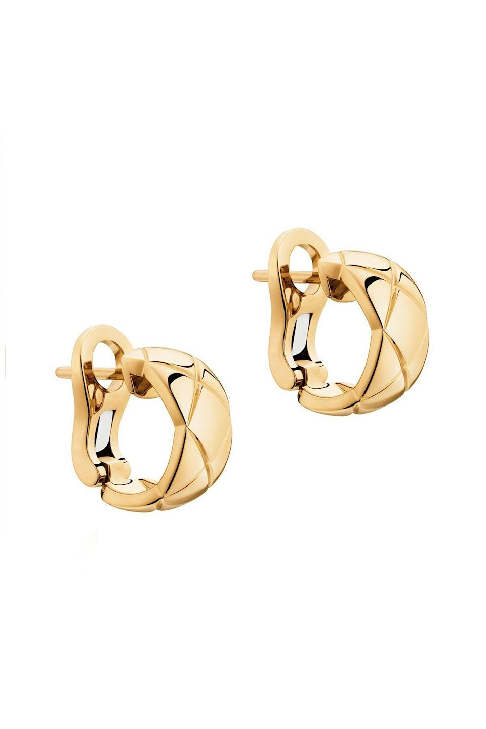 """<p><strong>Chanel</strong></p><p><strong>$3300.00</strong></p><p><a href=""""https://go.redirectingat.com?id=74968X1596630&url=https%3A%2F%2Fwww.chanel.com%2Fus%2Ffine-jewelry%2Fp%2FJ11134%2Fcoco-crush-earrings%2F&sref=https%3A%2F%2Fwww.townandcountrymag.com%2Fstyle%2Fjewelry-and-watches%2Fg33469392%2Fthe-weekly-covet-july-31-2020%2F"""" rel=""""nofollow noopener"""" target=""""_blank"""" data-ylk=""""slk:Shop Now"""" class=""""link rapid-noclick-resp"""">Shop Now</a></p><p>Match your earrings to you bag with this option from Chanel where they carried their signature quilted design into their jewelry</p>"""