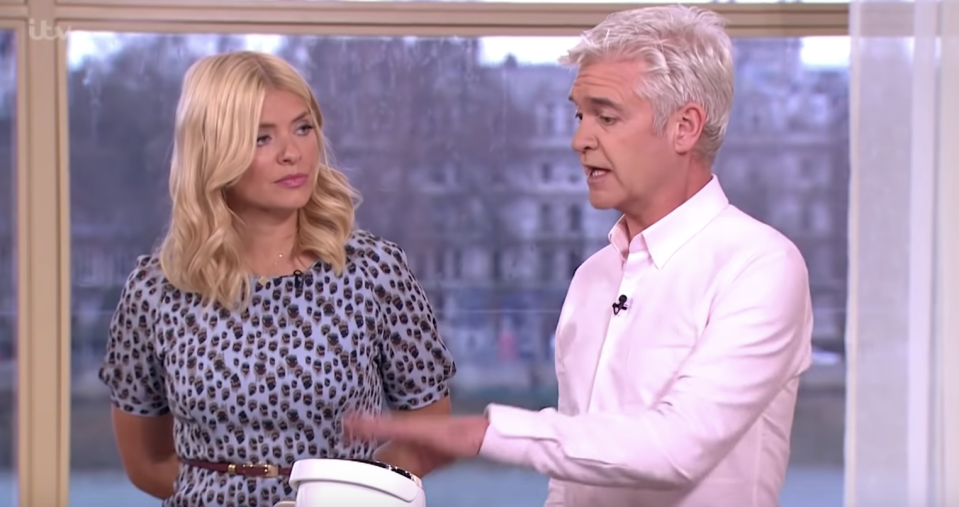 Holly Willoughby and Phillip Schofield present This Morning together. (ITV)