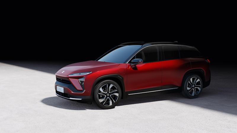 NIO ES6 SUV is shown in red with black trim. 19659021] NIO ES6 SUV is shown in red with black trim.