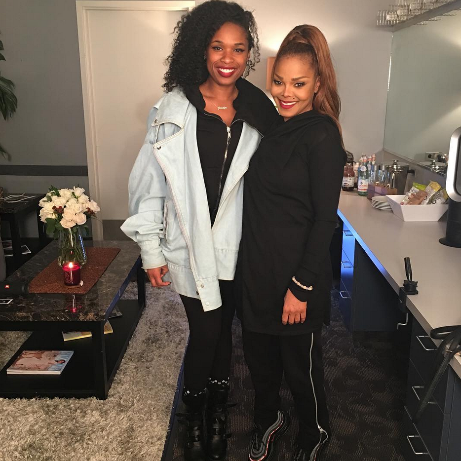 "<p>""When u have a opportunity to see legends like this, you should go!"" urged <em>The Voice</em> coach, as she posed with Janet Jackson backstage at Miss Jackson's Chicago stop on her <em>State of the World</em> tour. ""Timeless!"" J-Hud raved. (Photo: <a rel=""nofollow"" href=""https://www.instagram.com/p/Ba_5XG3gBaV/?taken-by=iamjhud"">Jennifer Hudson via Instagram</a>) </p>"