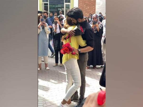 Pakistani university expels two students for 'hugging' on campus (Photo Credit: Twitter)