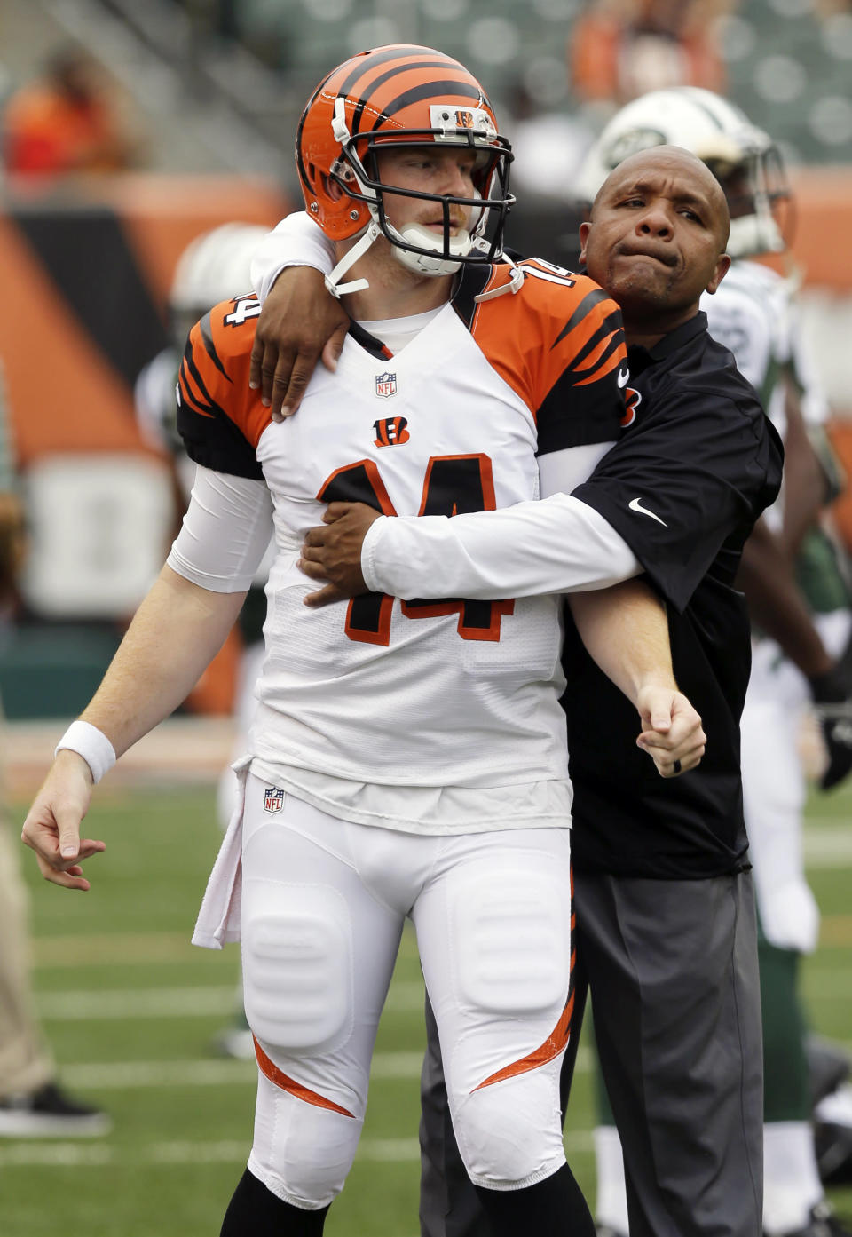 Dalton perfect, Jets rally to beat Bengals 25-17