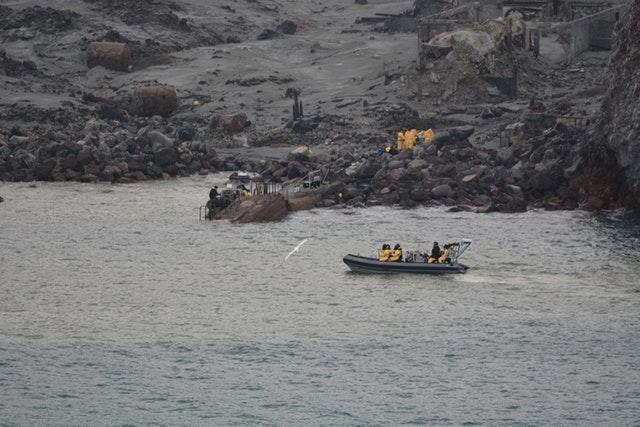 An operation was carried out to rescue bodies