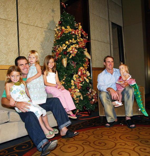 MELBOURNE, AUSTRALIA - DECEMBER 25:  Justin Langer of Australia with daughters Ali-Rosa, Sophie and Jessica as well as Matthew Hayden with daughter Grace before the Australian Cricket Team's lunch at Crown Casino on December 25, 2003 in Melbourne, Australia.  (Photo by Hamish Blair/Getty Images)