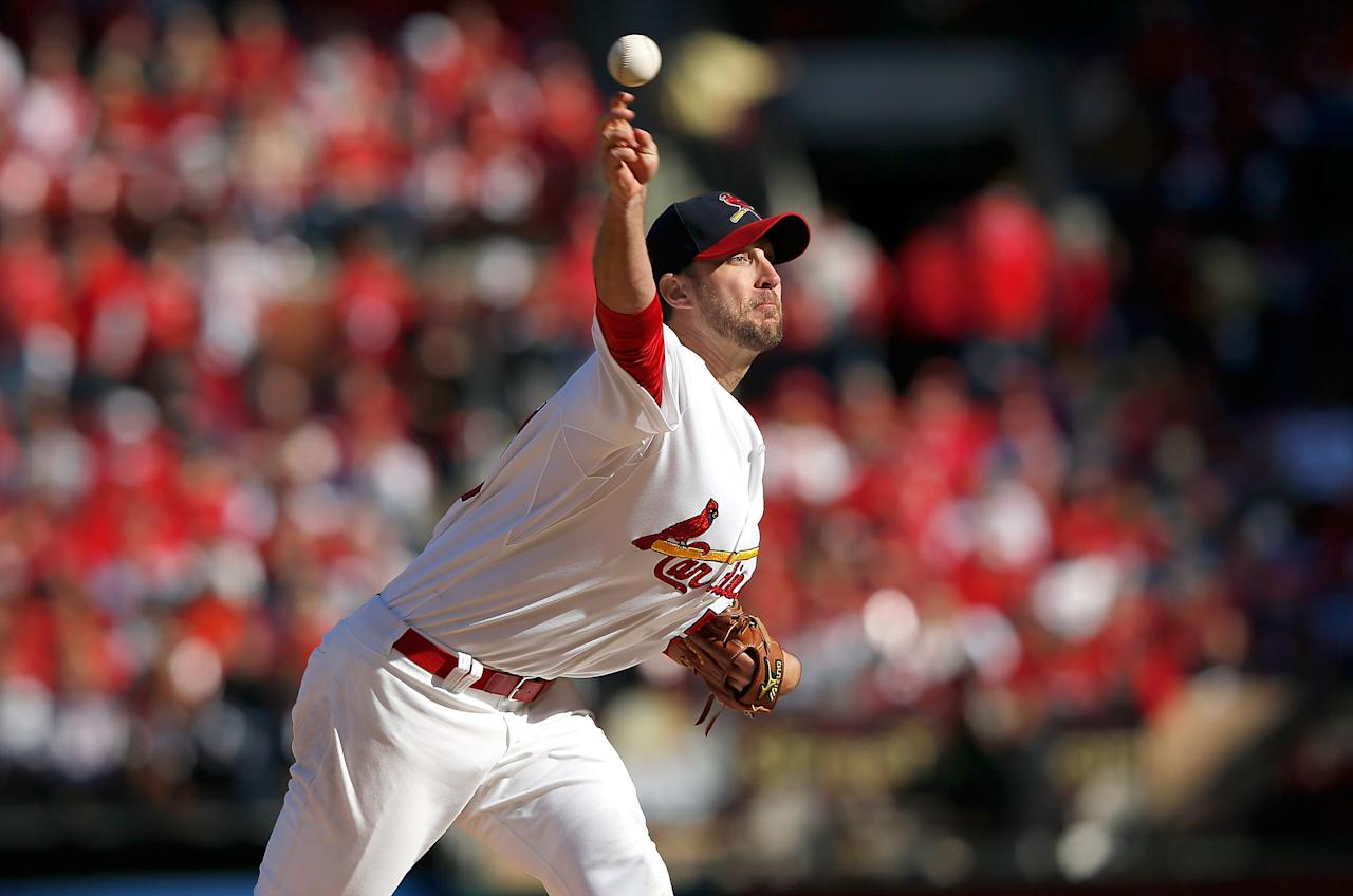 ST LOUIS, MO - OCTOBER 07:  Adam Wainwright #50 of the St Louis Cardinals pitches against the Washington Nationals during Game One of the National League Division Series at Busch Stadium on October 7, 2012 in St Louis, Missouri.  (Photo by Jamie Squire/Getty Images)