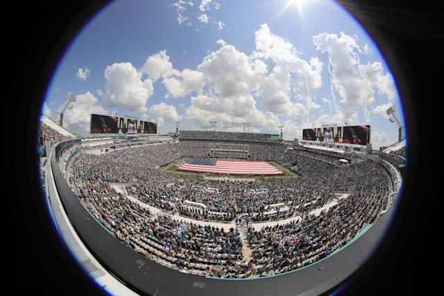 <p>A fisheye view of the field during the Jacksonville Jaguars vs. Green Bay Packers game at EverBank Field on September 11, 2016 in Jacksonville, Florida. (Photo by Sam Greenwood/Getty Images) </p>