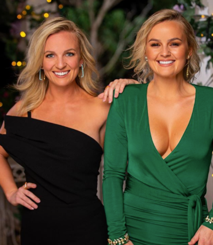 Becky and Elly Miles (L-R) appear on The Bachelorette, Elly reveals boob job