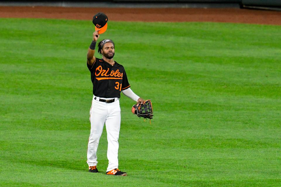 Cedric Mullins waves to the crowd at Camden Yards.