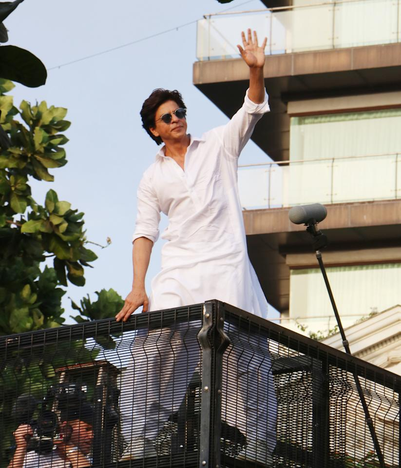 Superstar Shah Rukh Khan had a special guest, American talk show host David Letterman, along with him as he greeted a sea of fans outside his residence on Eid on Wednesday.