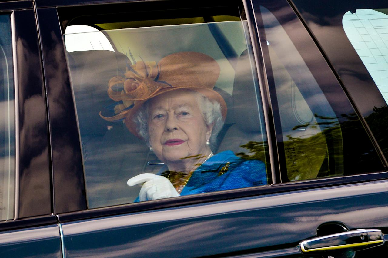 Britain's Queen Elizabeth arrives at Eland Lodge Equestrian centre, Ashbourne, Britain May 25, 2017.   REUTERS/Richard Stonehouse/Pool