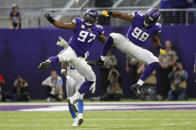 "<a class=""link rapid-noclick-resp"" href=""/nfl/players/28476/"" data-ylk=""slk:Danielle Hunter"">Danielle Hunter</a> and <a class=""link rapid-noclick-resp"" href=""/nfl/players/24075/"" data-ylk=""slk:Everson Griffen"">Everson Griffen</a> should be very busy against <a class=""link rapid-noclick-resp"" href=""/nfl/players/25785/"" data-ylk=""slk:Russell Wilson"">Russell Wilson</a> in Week 14. (AP Photo/Jim Mone)"