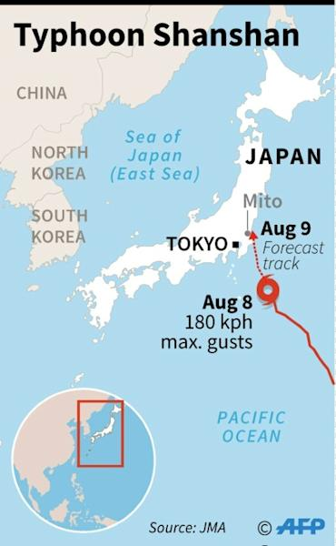 Map of Japan showing the forecast track of Typhoon Shanshan