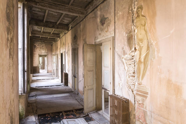"<p>Roman said: ""In these photos I've tried to capture the beauty and the architecture of abandoned places in Italy."" (Photo: Roman Robroek/Caters News) </p>"