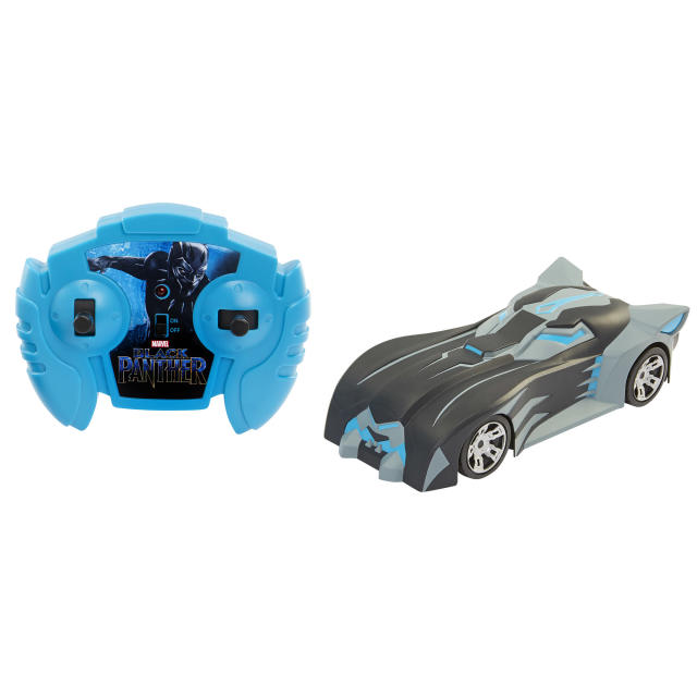 <p>Get all stealthy with this driveable version of T'Challa's cruiser. (Photo: Jakks) </p>