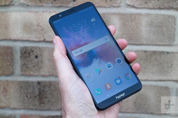honor 7x review in hand full