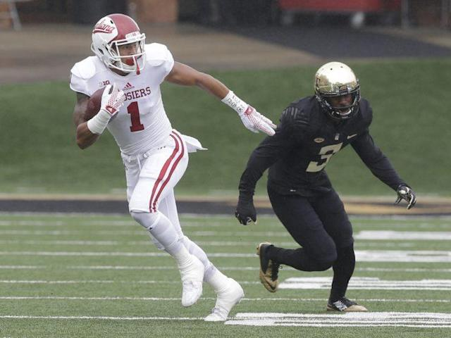 Indiana's Simmie Cobbs had 60 catches in 2015. (AP Photo/Chuck Burton)