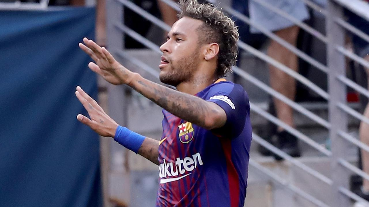 <p>Paris Saint-Germain's chase of Neymar brought no response from coach Unai Emery as reports of a world-record transfer continue to circle. </p>