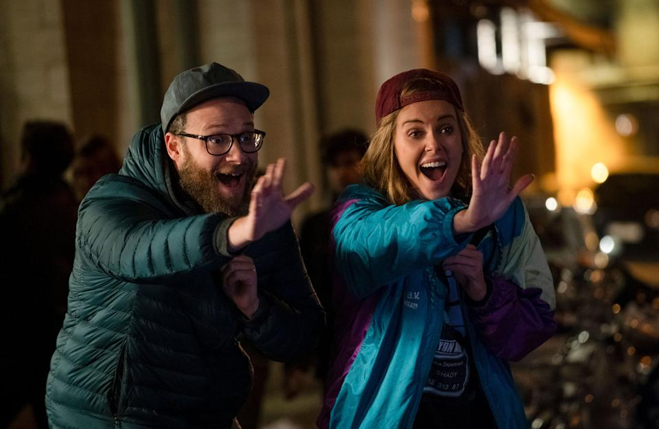 Seth Rogen and Charlize Theron in Long Shot, 2019.