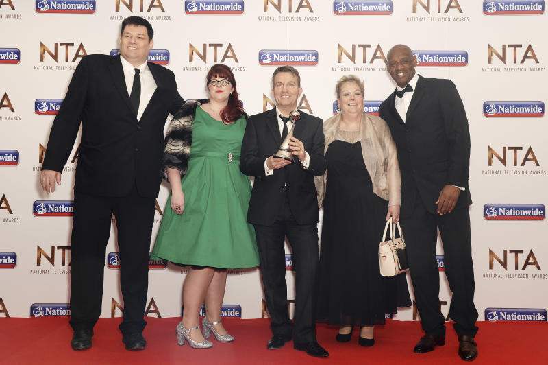 LONDON, ENGLAND - JANUARY 20: (L-R) Mark Lebbett, Jenny Ryan, Bradley Walsh, Anne Hegerty and Shaun Wallace of The Chase, with the award for Daytime, during the 21st National Television Awards at The O2 Arena on January 20, 2016 in London, England. (Photo by Dave J Hogan/Dave J Hogan/Getty Images)