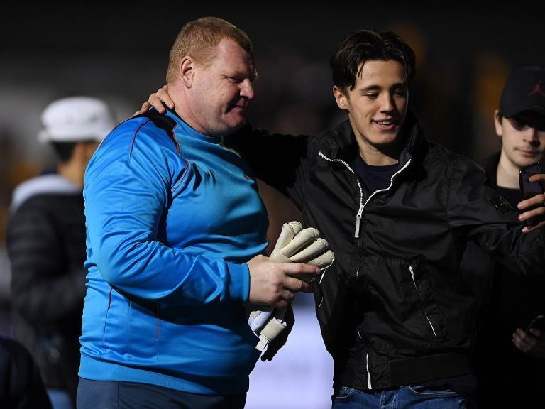 Wayne Shaw's absence felt at Sutton United as first-team keeper forced off with injury against Torquay