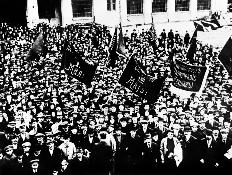 major changes brought by the russian revolution 1917 in russia Russian revolution – november 1917 following the march revolution, in november 1917 russia got the world's first communist government lead by lenin, communists took over the vital city of st petrograd and removed the provisional government from power lenin had already proved himself to the workers of the city with his slogans.