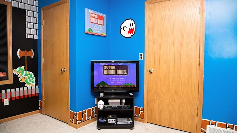 . Dad Gets  1 Up  for Super Mario Bros  Themed Kid s Bedroom
