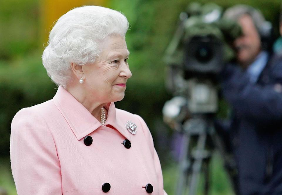 <p>The Queen looked seasonally appropriate for the Chelsea Flower Show in London on May 21, 2007.</p>