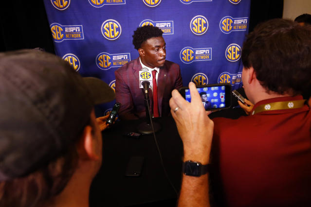 "<a class=""link rapid-noclick-resp"" href=""/ncaaf/players/274841/"" data-ylk=""slk:Dylan Moses"">Dylan Moses</a> led Alabama in tackles in 2018. (AP Photo/Butch Dill)"