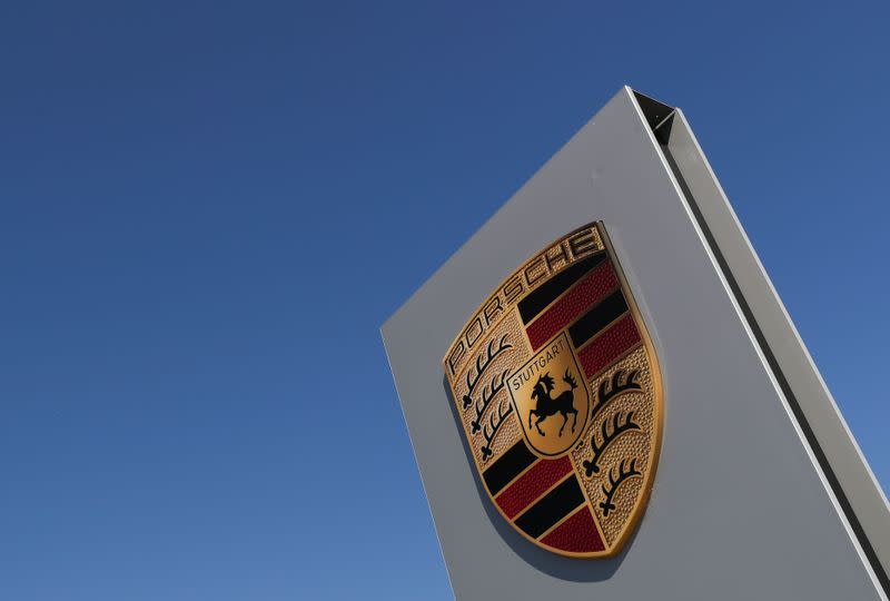 Porsche launches investigation into suspected engine manipulation - BamS
