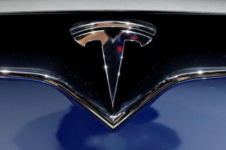 Tesla to hike vehicle prices 5% in United Kingdom from 2017
