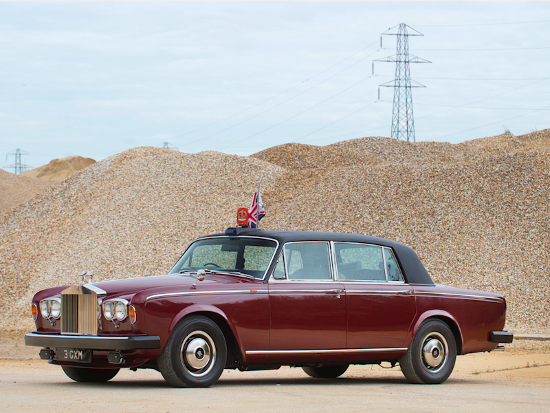 The Queen's old Bentley is being auctioned for £180,000 ...