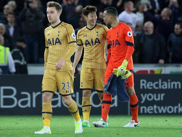 Vorm picked up a knock in the win against Swansea (Getty)