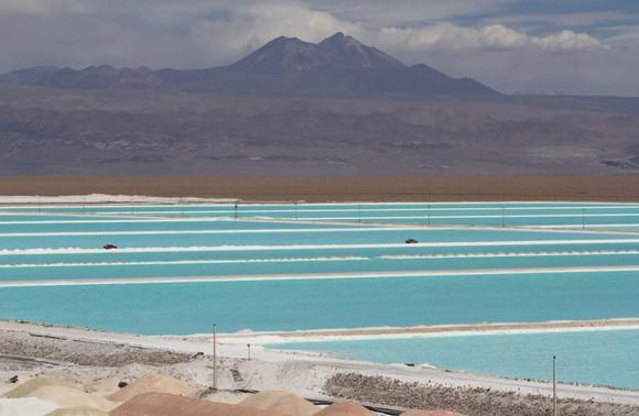 Brine ponds for lithium production