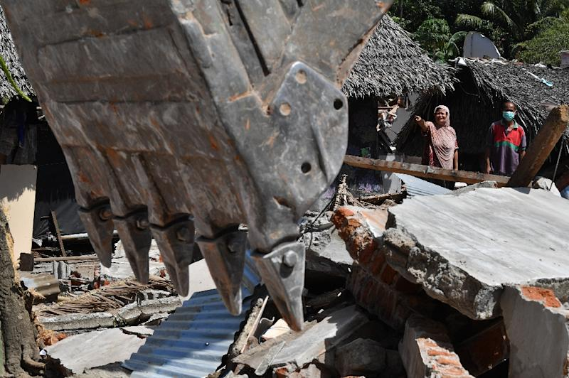 Death Toll From Indonesia Earthquake Passes 430