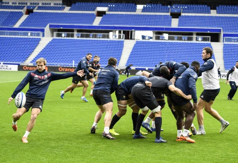 France's rugby players take part in a training session at the Groupama stadium in Decines-Charpieu near Lyon, on November 13, 2017