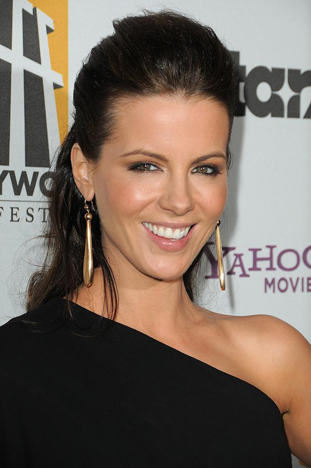 "<a href=""http://movies.yahoo.com/movie/contributor/1800020790"">Kate Beckinsale</a> at the 13th Annual Hollywood Awards Gala held at the Beverly Hilton Hotel - 10/26/2009"