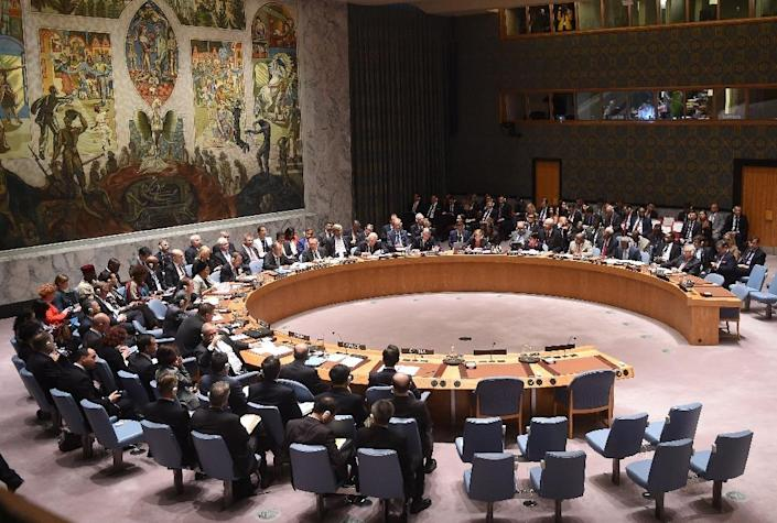 The UN Security Council meets on settlement of conflicts in the Middle East and North Africa and countering the terrorist threat in the region during the 70th Session of the UN General Assembly on September 30, 2015 in New York (AFP Photo/Timothy A. Clary)