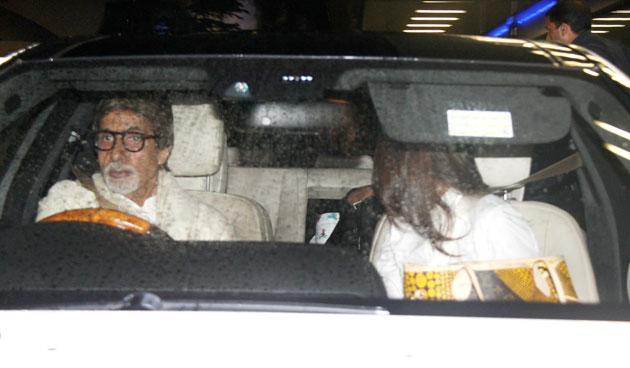 After picking up daughter in law Aishwarya and granddaughter Aaradhya, Amitabh Bachchan again turned chaffeur for his son Abhishek