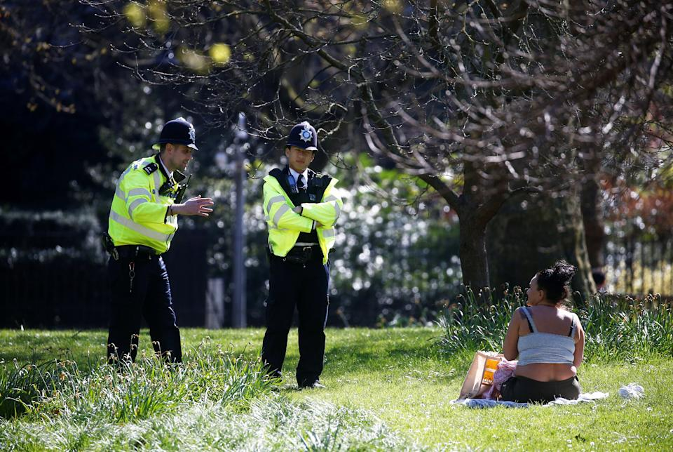 Police patrol in St James' Park, as the spread of the coronavirus disease (COVID-19) continues, London, Britain, April 5, 2020. REUTERS/Henry Nicholls