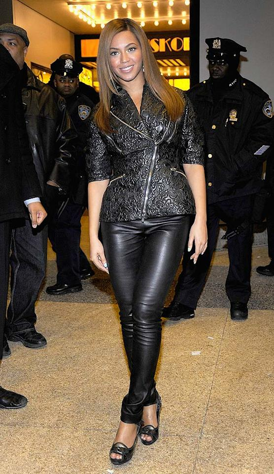 """Beyonce Knowles was gorgeous as always, but her leather getup was a mess! George Napolitano/<a href=""""http://www.filmmagic.com/"""" target=""""new"""">FilmMagic.com</a> - November 16, 2008"""