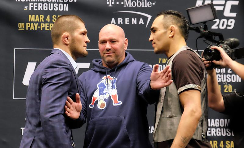 LAS VEGAS, NV - JANUARY 19: (L-R) No. 1 lightweight contender Khabib Nurmagomedov of Russia and No. 2 lightweight contender Tony Ferguson face off during the UFC 209 Ultimate Media Day event inside The Park Theater on January 19, 2017 in Las Vegas, Nevada. (Photo by Juan Cardenas/Zuffa LLC/Zuffa LLC via Getty Images)
