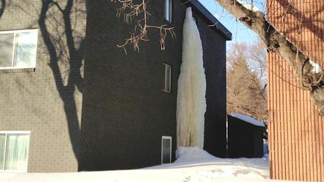 The giant icicle at 1115 Avenue W North in Saskatoon must come down, the fire department says.