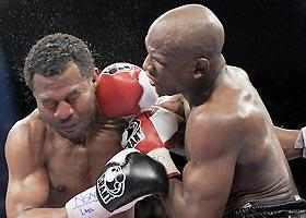 Floyd Mayweather (right) remained undefeated in 41 fights