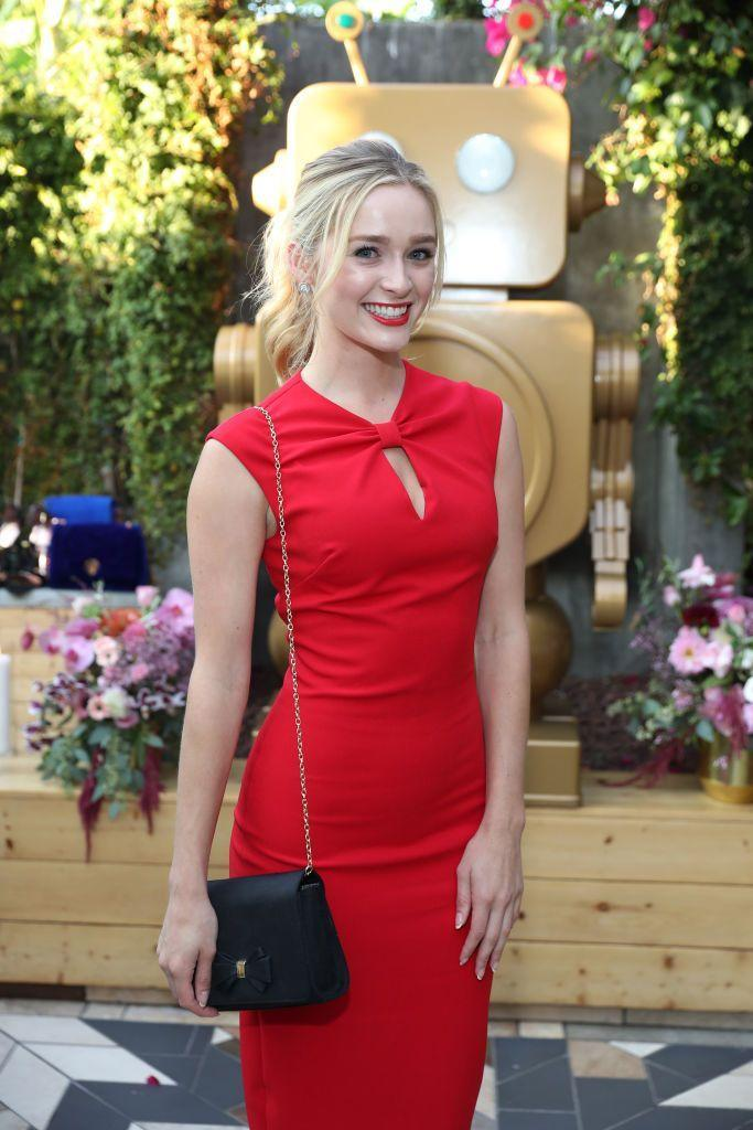 <p>Greer Grammer received the honor of Miss Golden Globe in 2015. The 26 year-old followed her father, Kelsey Grammer, into acting and has appeared in numerous TV shows. </p>