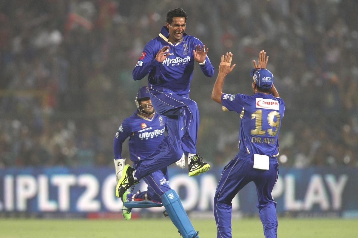 Ajit Chandila of Rajasthan Royals celebrates with Rajasthan Royals captain Rahul Dravid after getting Mumbai Indians captain Ricky Ponting wicket during match 23 of the Pepsi Indian Premier League (IPL) 2013 between The Rajasthan Royals and the Mumbai Indians held at the Sawai Mansingh Stadium in Jaipur on the 17th April 2013..Photo by Shaun Roy-IPL-SPORTZPICS  ..Use of this image is subject to the terms and conditions as outlined by the BCCI. These terms can be found by following this link:..https://ec.yimg.com/ec?url=http%3a%2f%2fwww.sportzpics.co.za%2fimage%2fI0000SoRagM2cIEc&t=1498591121&sig=3_6cGToMclBqW.eyVJ4i0g--~C