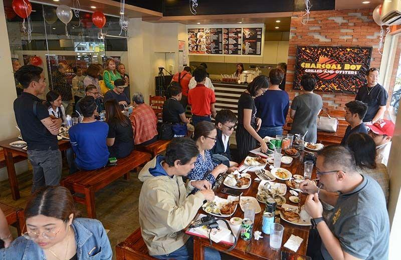 Families may dine in restos, must show proof they live together