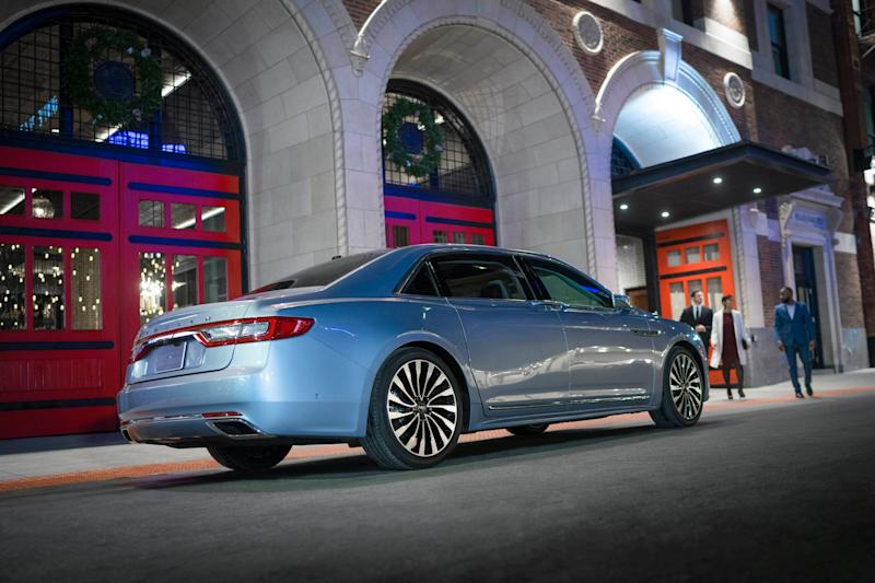 Ford discontinues Lincoln Continental: Luxury sedan usurped by SUVs