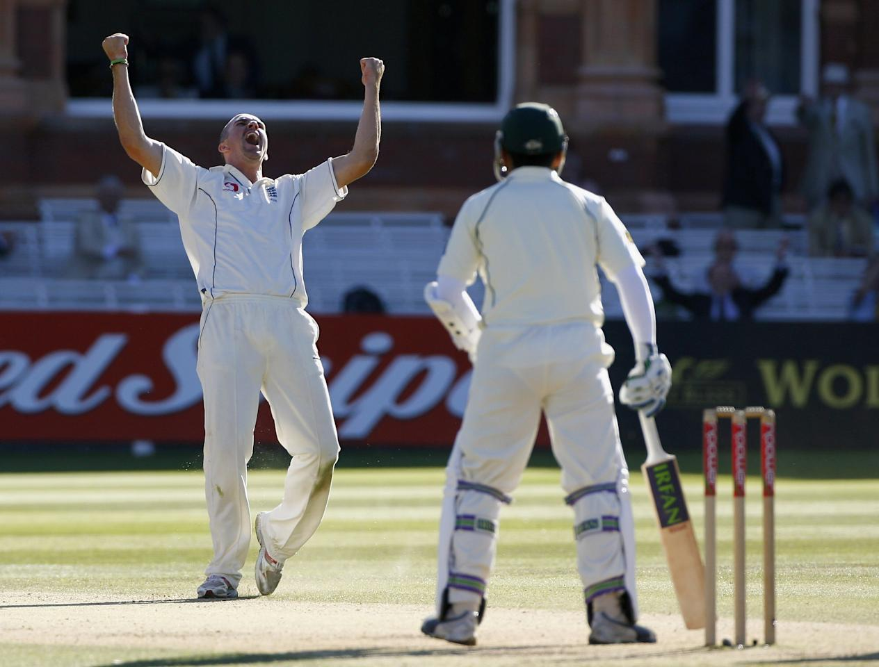 LONDON - JULY 15:  Kevin Pietersen of England celebrates the wicket of Kamran Akmal of Pakistan during day three of the first npower test match between England and Pakistan at Lord's on July 15, 2006 in London, England.  (Photo by Tom Shaw/Getty Images)